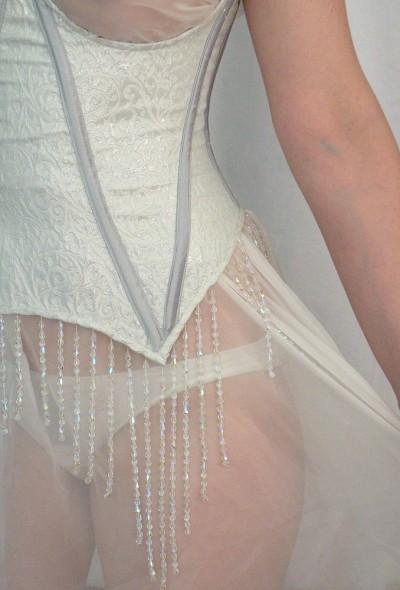 1- corset
