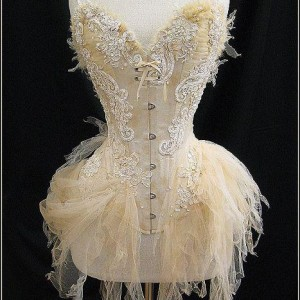 Opulent Eyecandy: Royal Black Couture & Corsetry