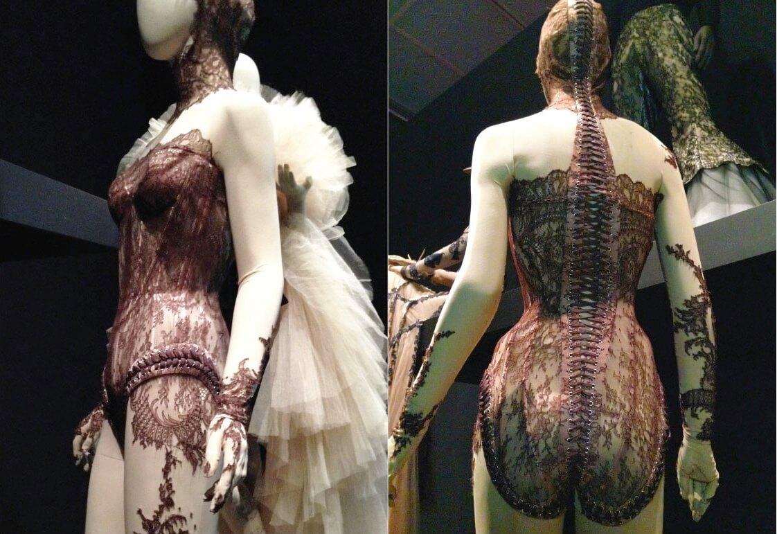 7 skin deep lace body corset