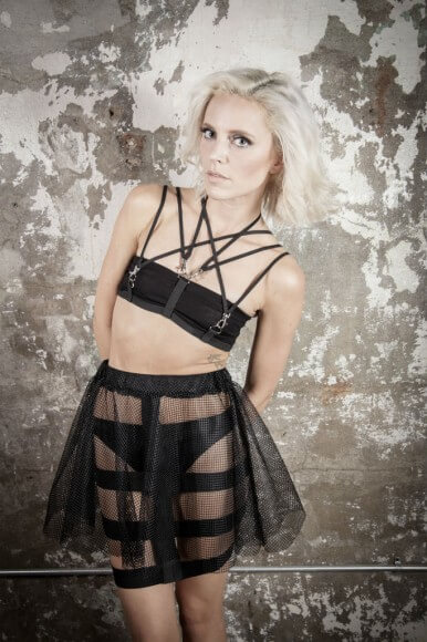 Agashi Harness and Net Skirt