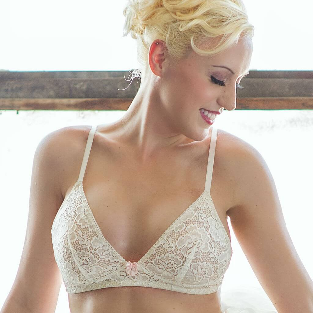 AnaOno-002-Ivory-Wireless-Bra