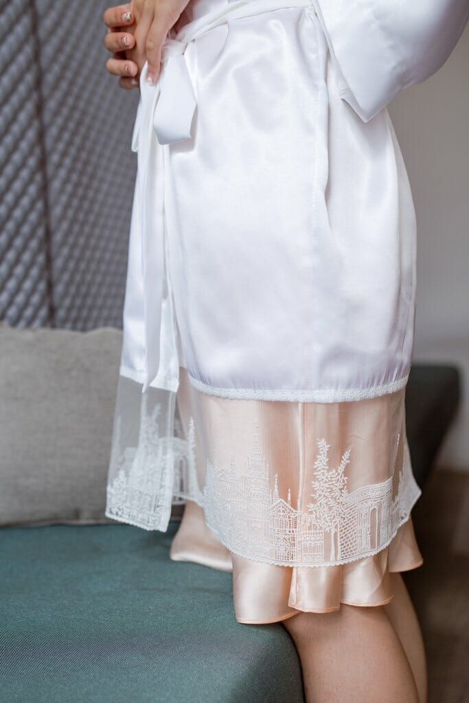 Bells & Birds Parisienne Flair silk embroidered bridal robe
