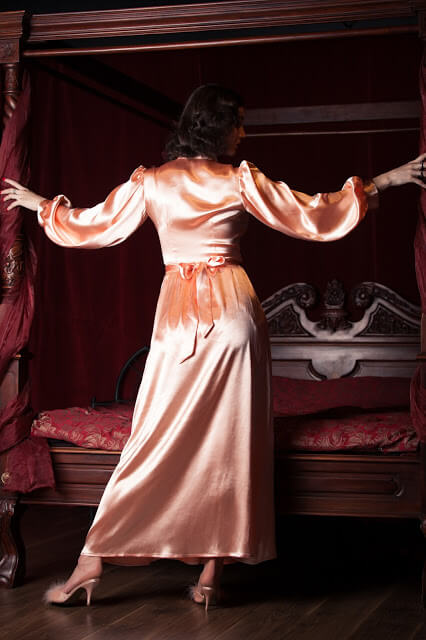 Betty_Blues_Loungerie_Peach_Bettie_Robe_4