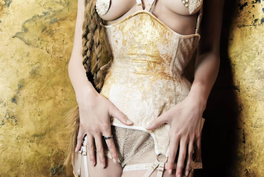 Karolina Laskowska gold underbust corset | Model: Karolina Laskowska | Photo © Marianne Faulkner