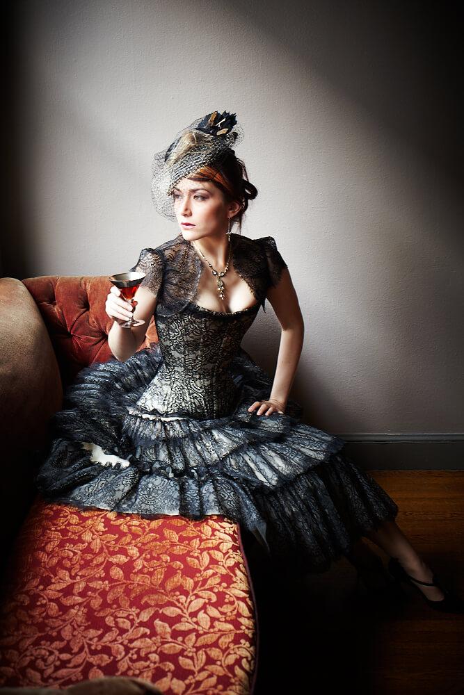 Dark Garden bespoke Alyscia corset | Model: Victoria Dagger | Photo © Chris Gaede