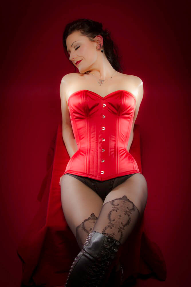 "Dark Garden ""Sweetheart"" corset 