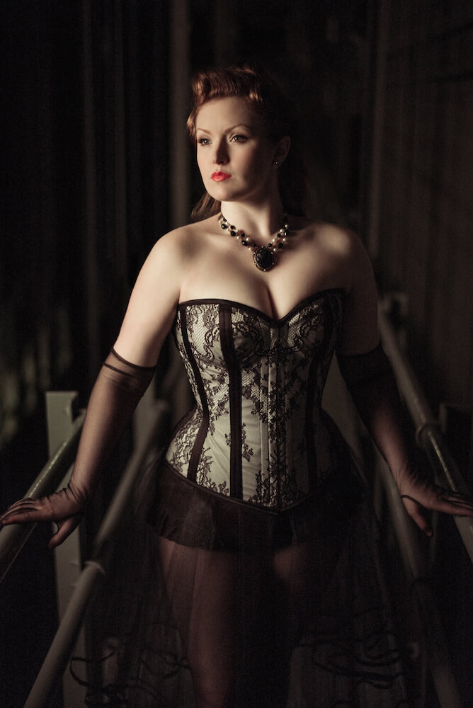 "Dark Garden ""Valentine"" corset 