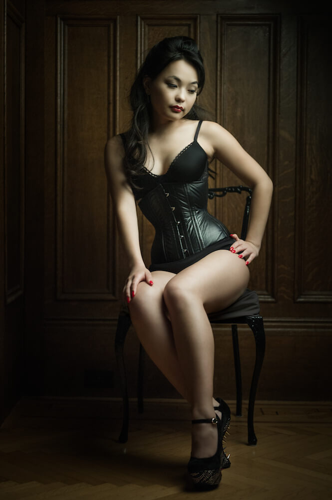 Dark Garden Cincher in black leather | Model: Anuka Mendbayar | Photo © Joel Aron