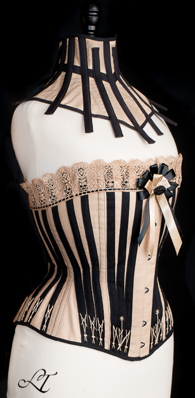 Daze of Laur flossed corset