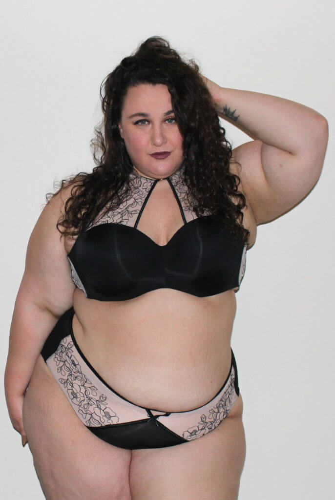 Plus Size Lingerie Review: Ashley Graham for Addition Elle Phenomenon Bra Set