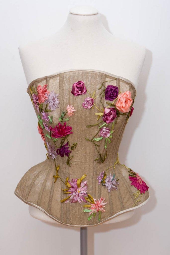 Silk ribbon embroidered lace and tulle corset by Karolina Laskowska