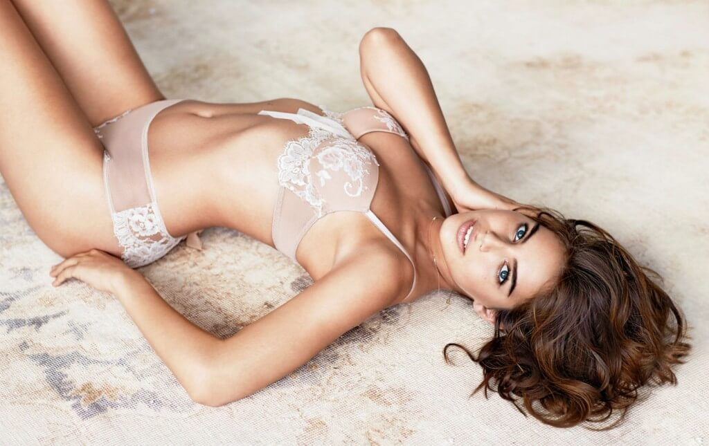 Intimissimi lace bra and briefs