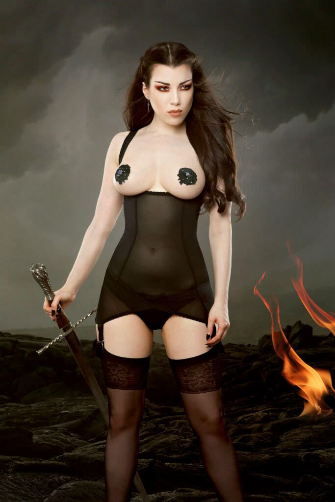 Kiss Me Deadly Cupless Vargas black