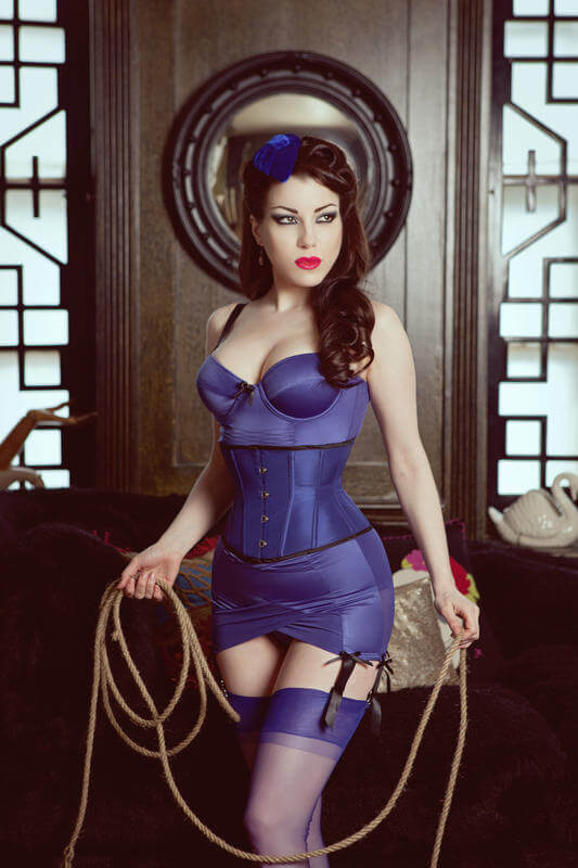 Kiss_Me_Deadly_Divine_Lingerie_Set_1