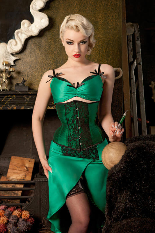 Kiss_Me_Deadly_Green_Deville