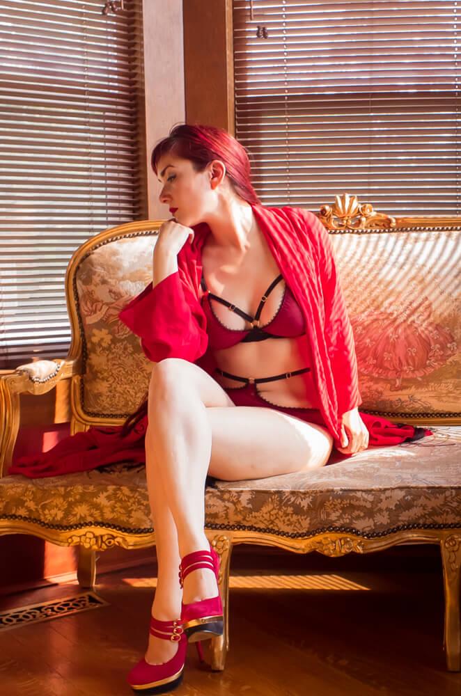 L1000680 Trashy Diva Flapper Robe Karolina Laskowska custom Ela lingerie Victoria Dagger Alyxander Ryan