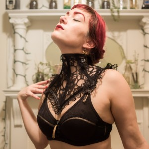 Review: Decadent Designs' Lace Neck Corset