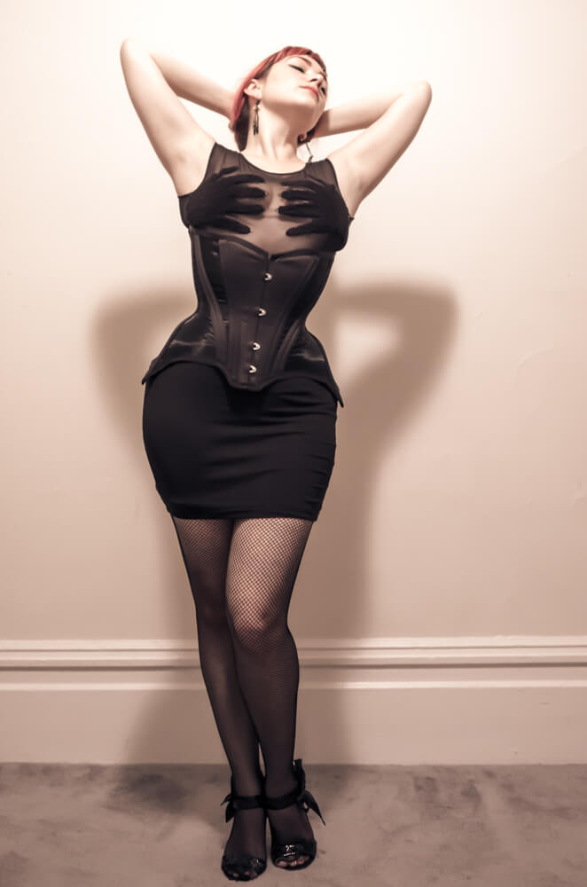 L1072000 Retina Vita Bassa Low Rise Fishnets Pop Antique Gibson Girl corset Victoria Dagger Alyxander Ryan