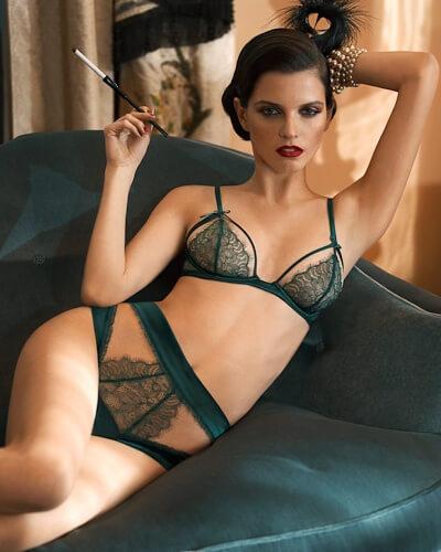 2019 best free delivery new york Review: La Perla Mezzanotte Lace Bra & Thong | The Lingerie ...