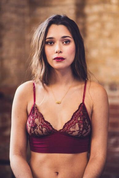 Luva Huva Emily Burgundy Lace