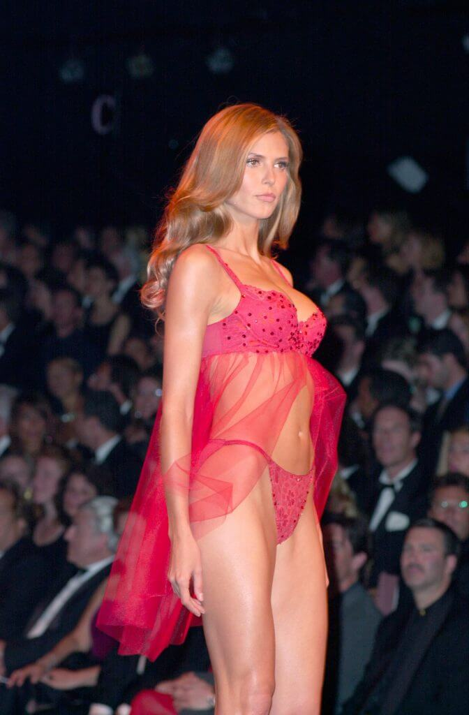May 2000 Victoria's Secret Fashion Show. The 5th anniversary of the show, the last year it was webcast (before moving to television broadcasting), and the last fashion show without a musical guest.