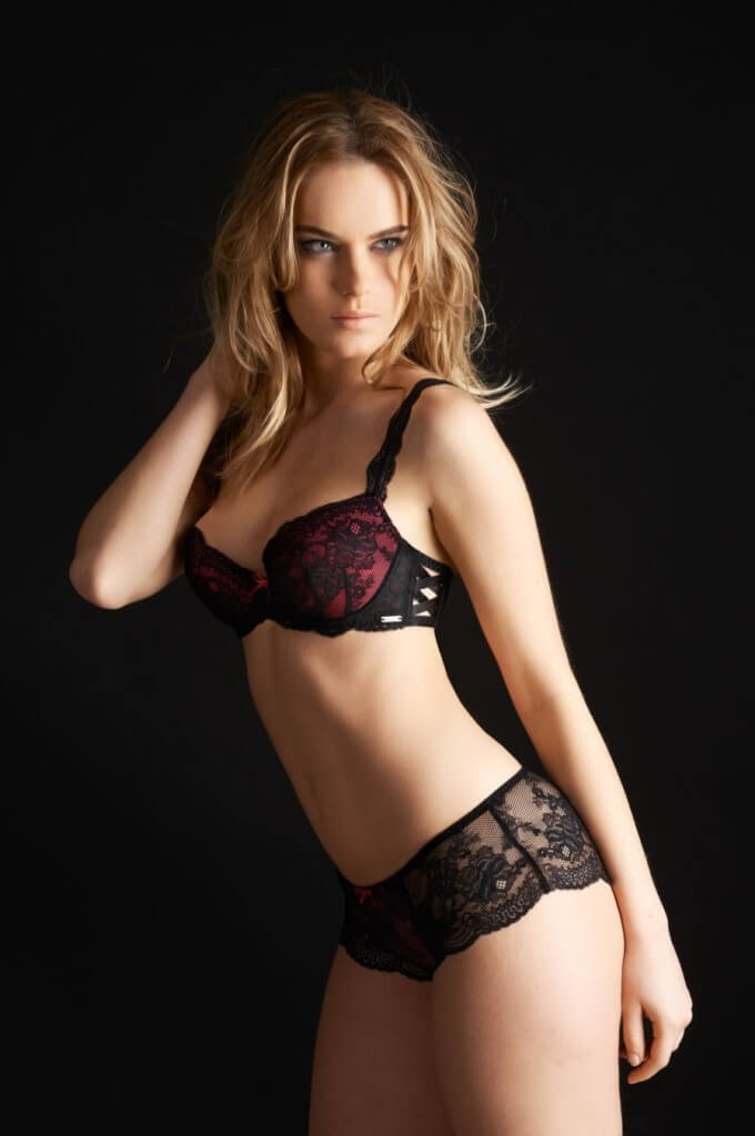 Millesia-Lingerie-Seduction-Fushia-Black-2