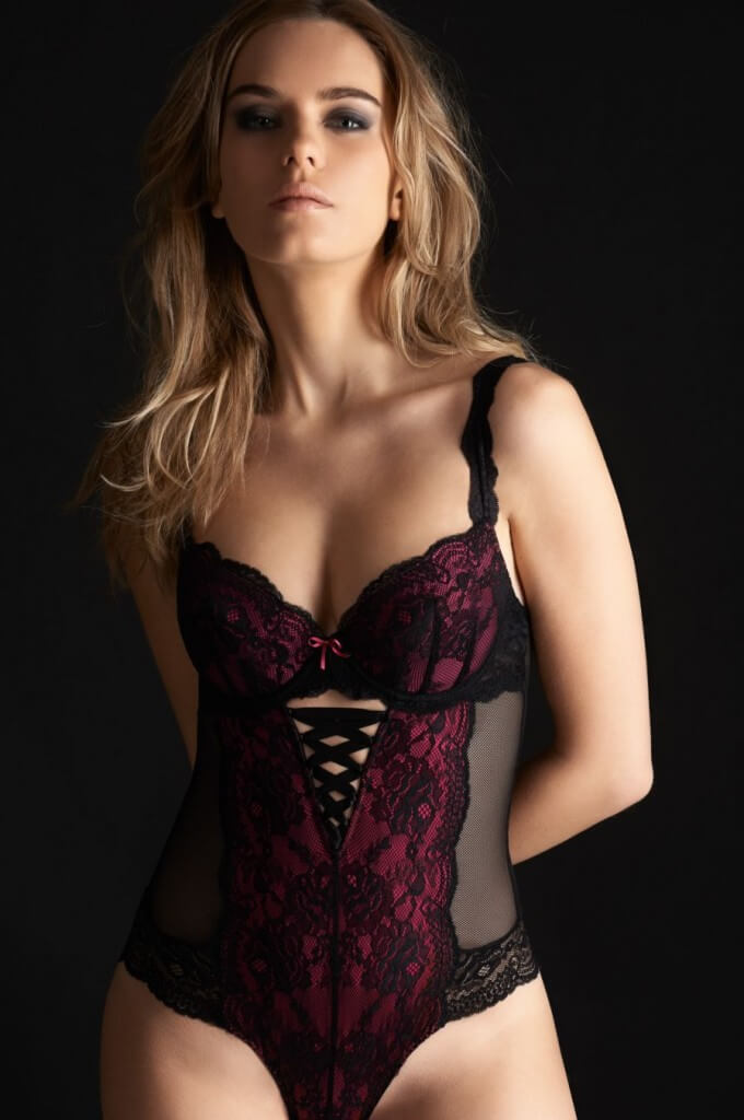 Millesia-Lingerie-Seduction-Fushia-Black-3