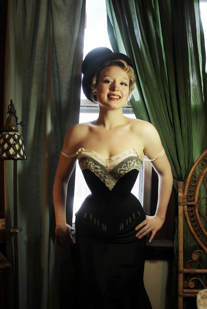 Morúa Designs flossed corset Tina Imel