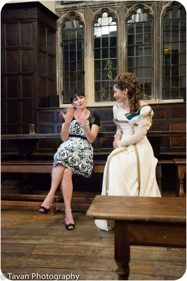 Cathy Hay having a chat with Julia Bremble. Photo © Laurie Tavan