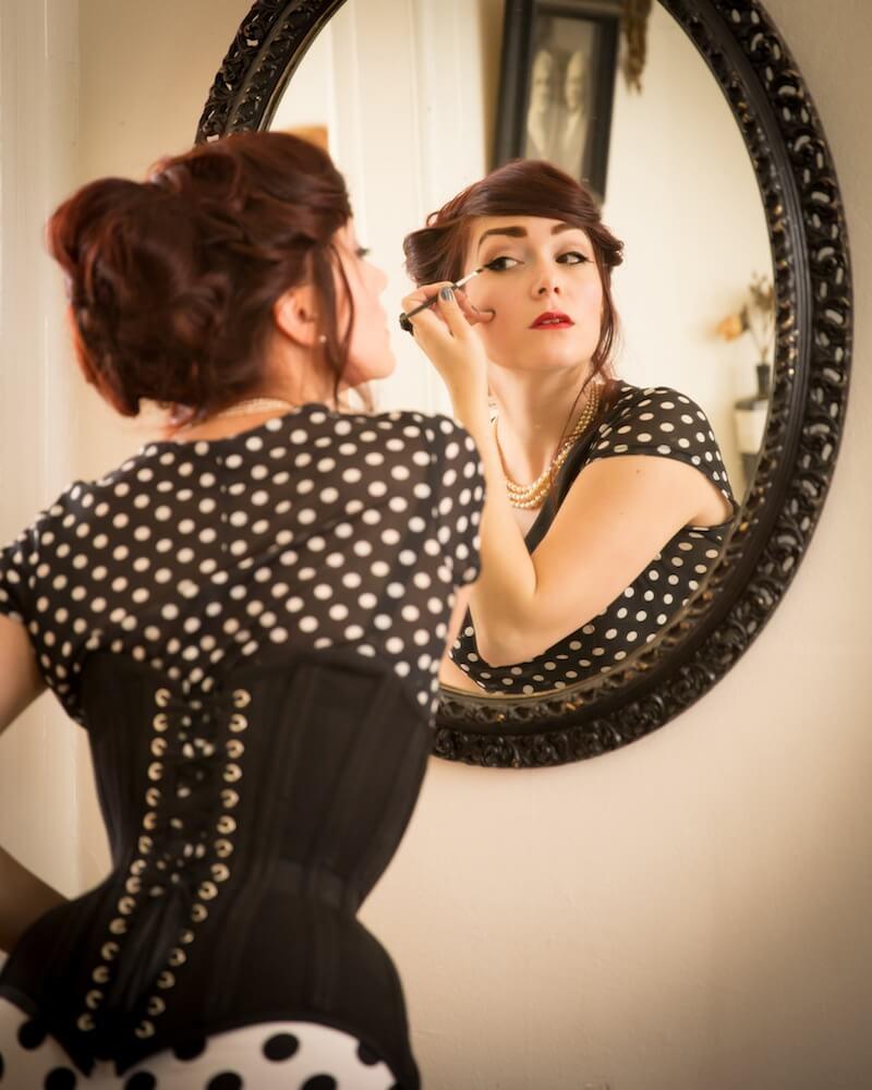 Pop Antique custom corset | Victoria Dagger | © John Carey