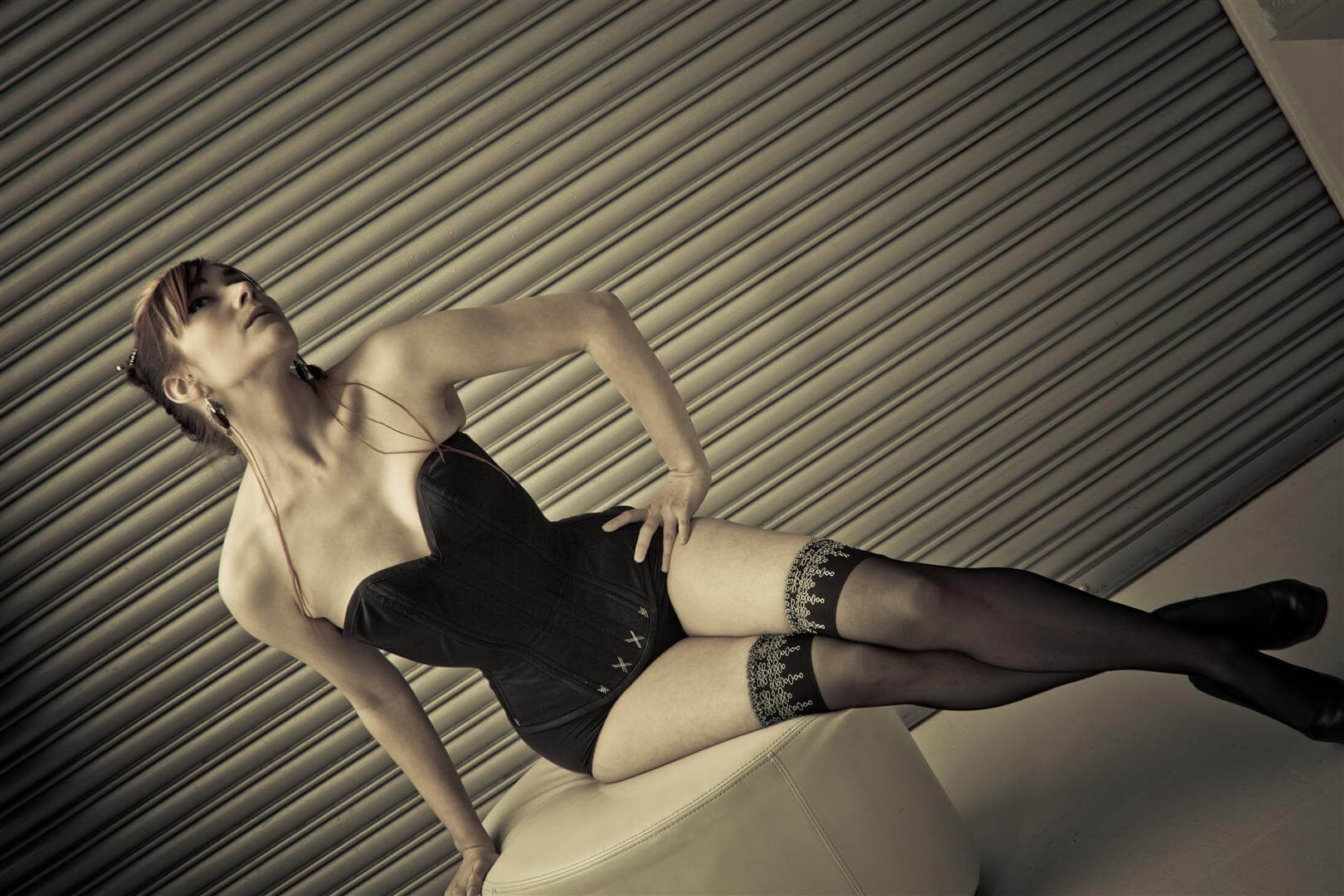 "Pop Antique ""Vamp"" Corset | Model: Victoria Dagger | Photo © Karolina Marek"