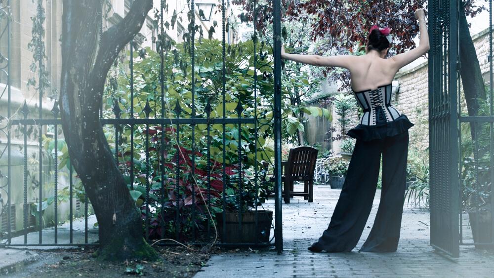 Corset & Styling: Pop Antique | Model: Victoria Dagger | Photo: Sparklewren