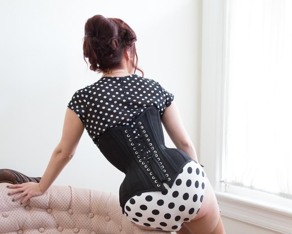 Pop Antique custom corset | Model: Victoria Dagger | Photo: John Carey