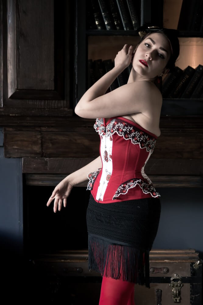 "Pop Antique ""Valentine"" corset. The Pop Antique ready-to-wear line features a cupped rib as part of its engineered fit. Model: Victoria Dagger. Photo © John Carey."