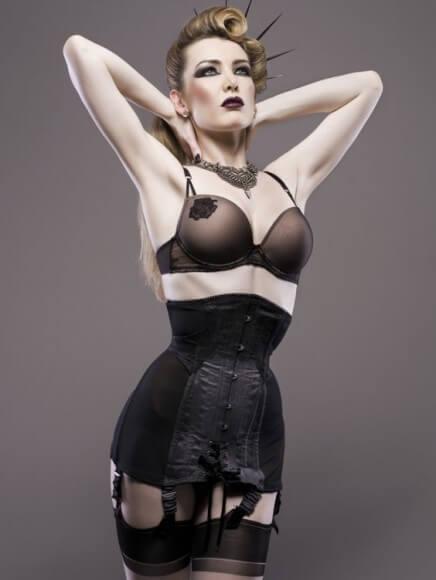 Corset: Sian Hoffman | Model: Miss Miranda | Photo © Julain M. Kilsby