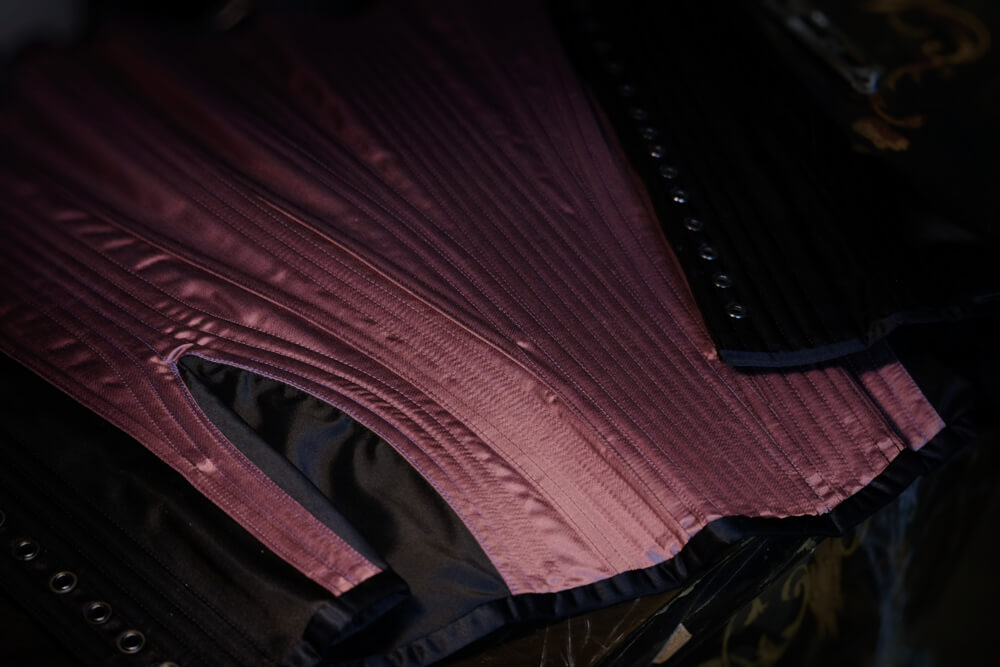 Sparklewren-Black-Amethyst-Corset-Inside
