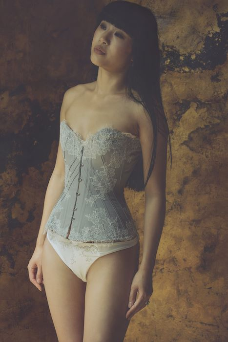 "Sparklewren ""Soft Dove"" corset with mild U-Shape. Modeled by Tingyn. Photo © Sparklewren."