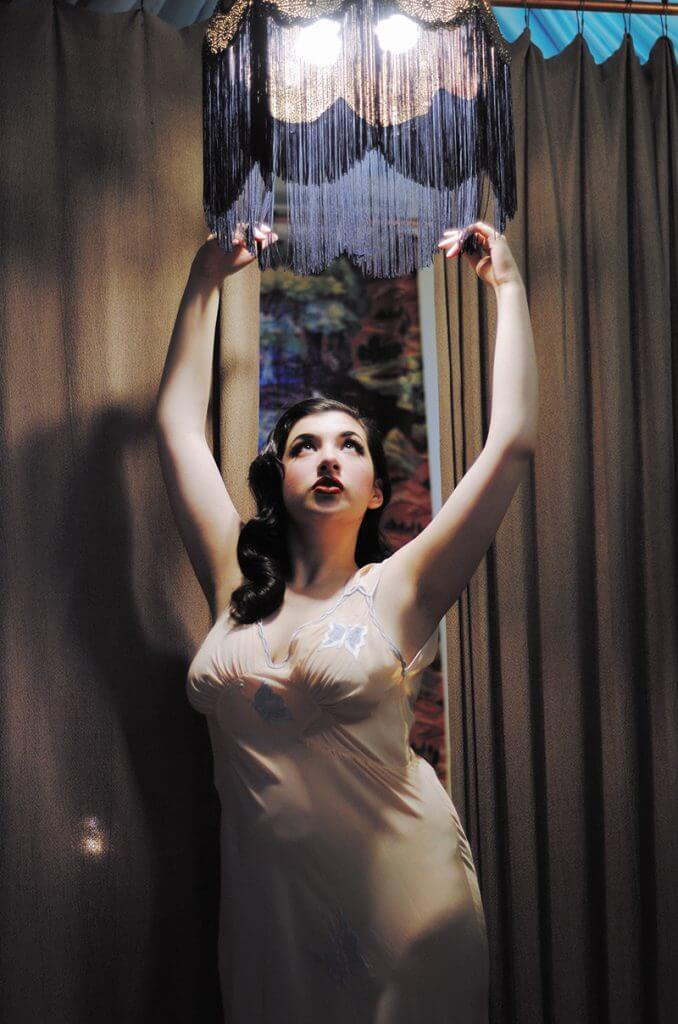 Pinup Photography: Holly Harlott by Courtney Reader