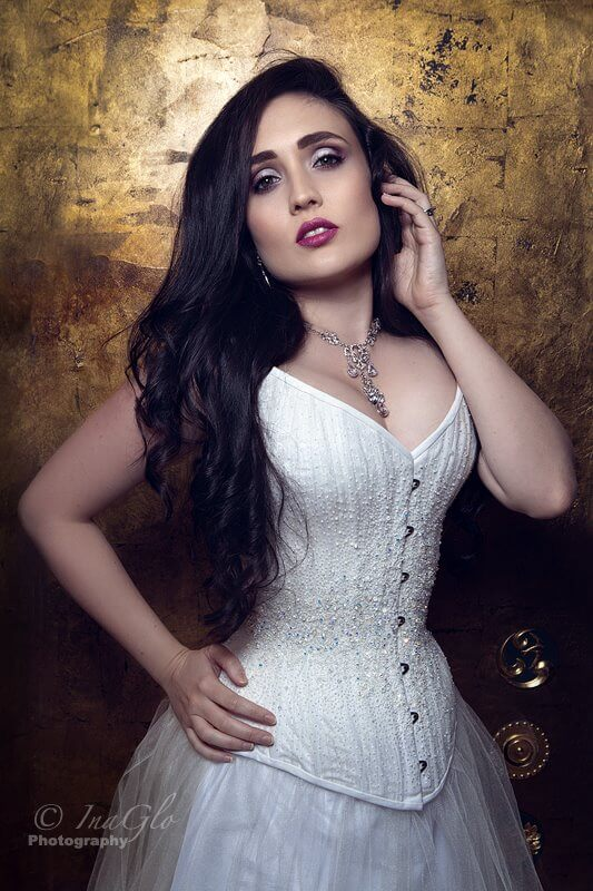 Corset: Vanyanis Model: Leah Axl Makeup and hair: Samantha Gardner Photographer : InaGlo Photography