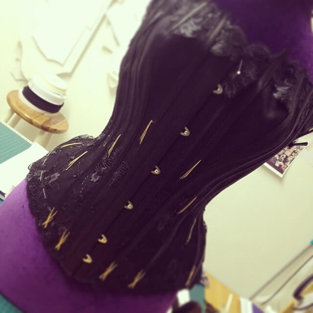 @ClessidraCouture made the previous version of this list, but has since changed her username.  Julia is a busy bee, making corsets, selling corsetry supplies, running corsetry workshops, and of course, organizing the Oxford Conference of Corsetry.