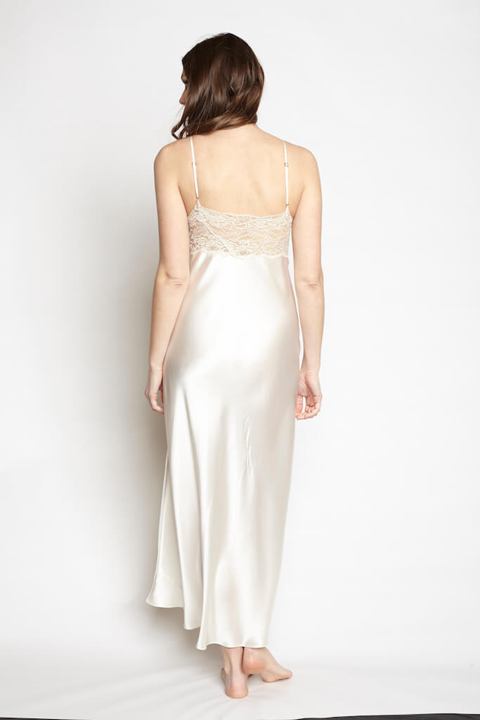 christine_lingerie_goddess_gown_pearl_2