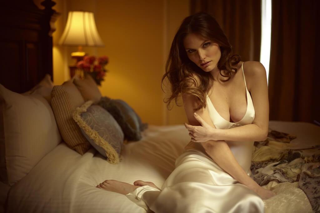 christine_lingerie_godess_gown