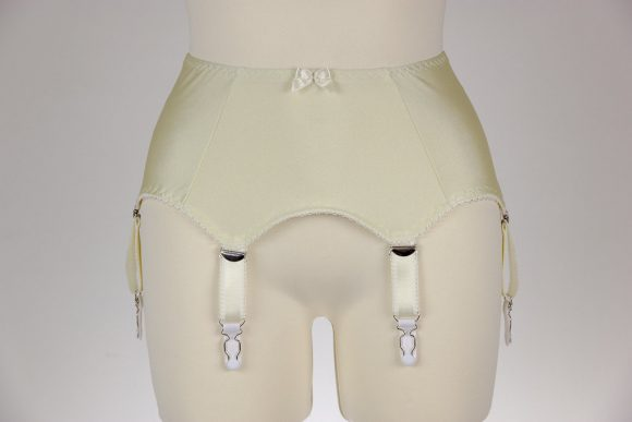 Coco's Retro Closet 6 Strap Garter Belt. Suspender Belt.