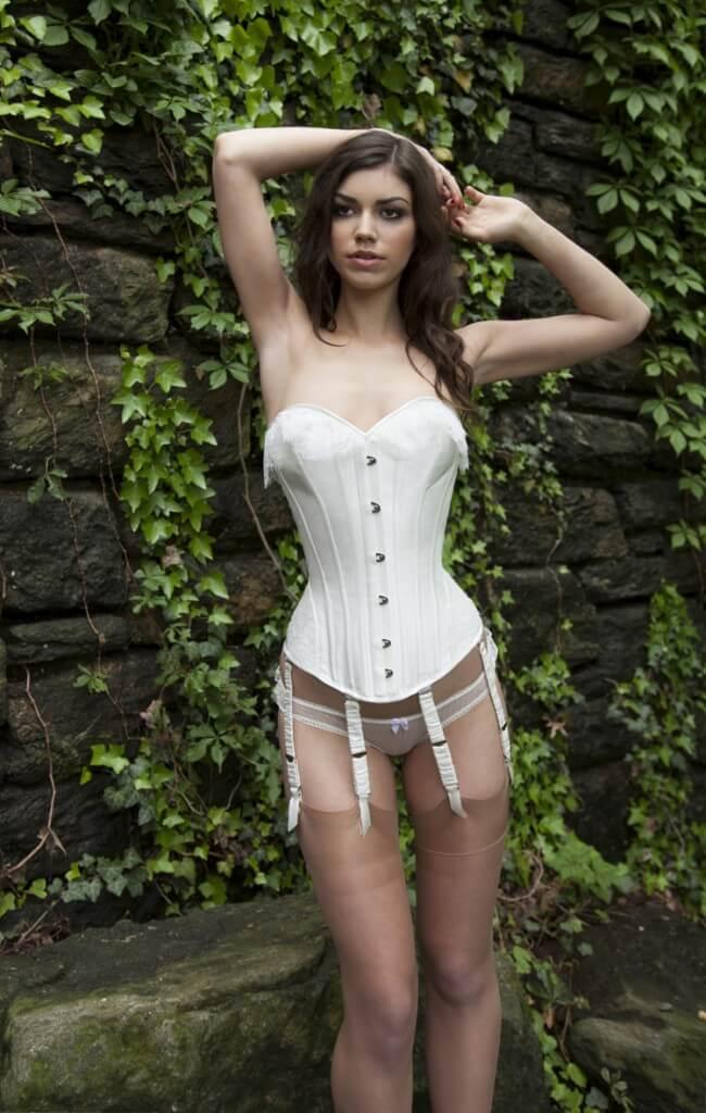 cropivory corset