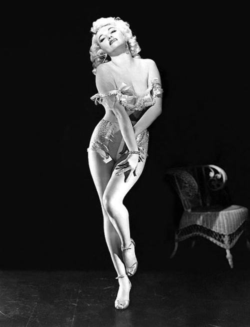 dixie evans the marilyn monroe of burlesque