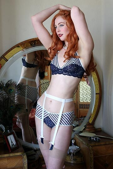 dollhouse-bettie-stella-marais-1