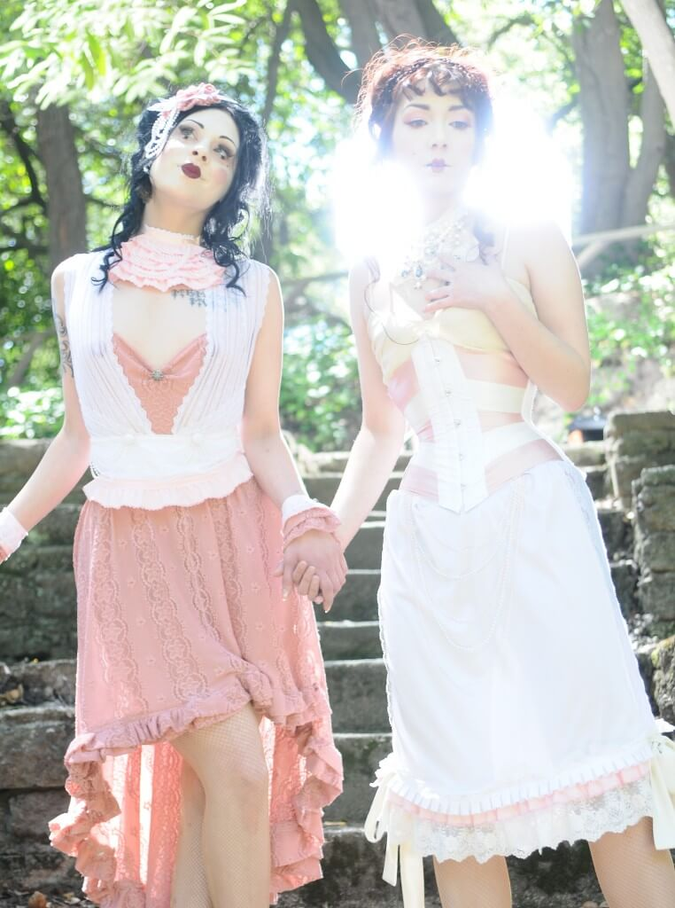 © Araya Diaz | Models: Elisa Berlin & Victoria Dagger | Corset: Pop Antique
