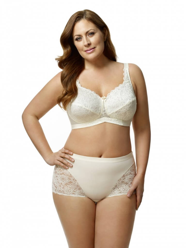 418701d4cf The 10 Best Bra Brands for Full Bust   Plus Sized Women