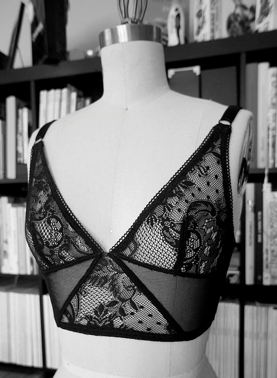 elma-lingerie-odile-lace-crop-top