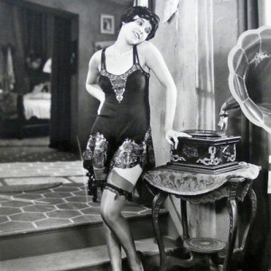 Great Gatsby Fever: 20 Pieces of Vintage 1920s Lingerie
